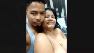 Mature Bhabi affair clips