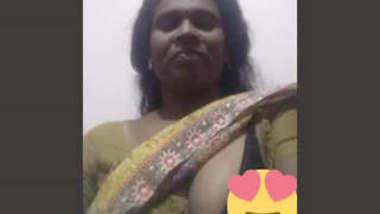 Desi Mature bhabhi 2 clips part 1