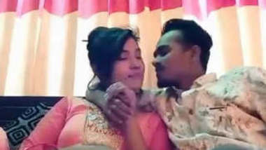 Bangladeshi Girl With Lover Fucking 2 Clips Part 1