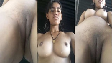 Sexy village girl showcasing her puffy pussy on cam