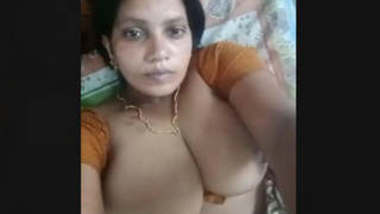 Bhabi Record Her Selfie Video FOr Lover