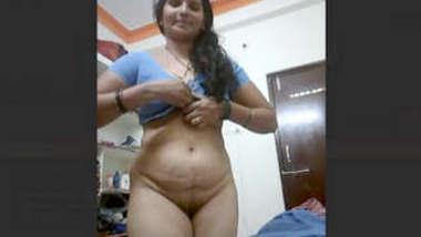 Horny Indian Desi Milf Bhabhi