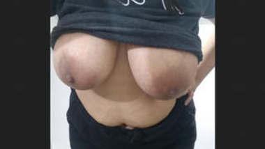 Very very big boobies girl bathing videos
