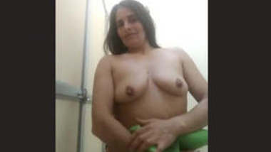 Sexy Bhabhi Showing Boobs