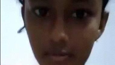Tamil teenage girl fingering masturbation selfie