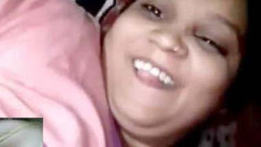 Desi bhabhi showing on vc