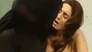 Pakistani actress Samra Chaudhary fingered – Scandal Leaks