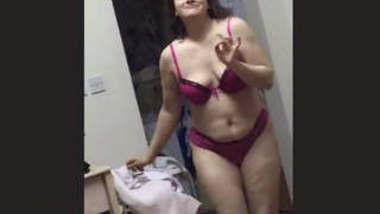 Sexy bhabhi 1 more clip