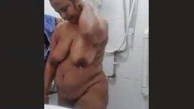 Indian Mature Aunty Bath Video