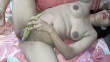 Horny Desi Bhabhi Masturbating Updates Part 3
