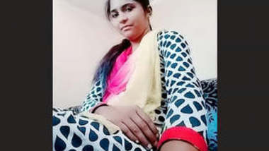 Sexy Desi Girl Shows Boobs and Pussy On video call