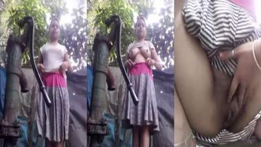 Dehati girl bathing nude outdoors selfie video