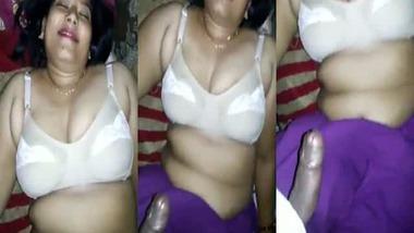 Chubby hot Desi Bhabhi naughty sex video