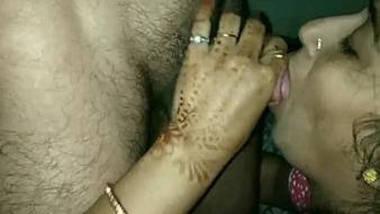 Sexy desi bhabhi sucking cock deeply
