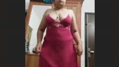 SexY mallu Aunty Record Her Nude Selfie Must Watch Guys