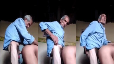 Old man fucking wife Doggystyle MMS video scandal