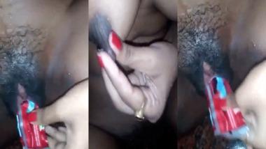 Desi hot pussy masturbation with a toothpaste tube sachet