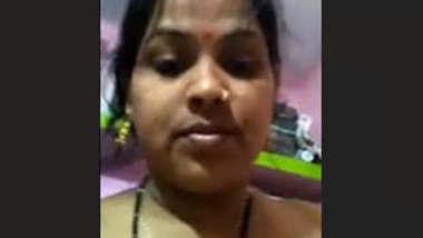Desi Hot Bhabhi Masturbate On Bed