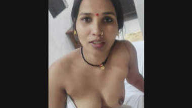 Hot Indian Bhabhi More Video Part 1