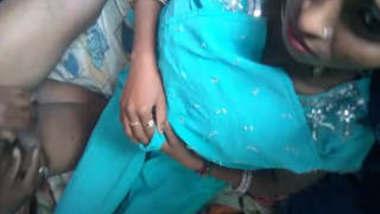 Randi bhabhi ko condom lgakar chodne ki tyaari