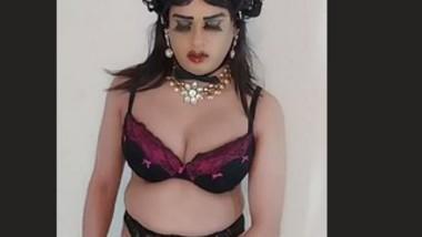 Desi Shamale Nude Show