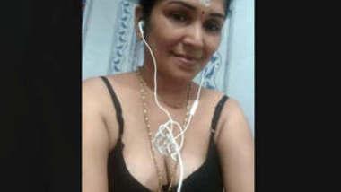 Desi Bhabhi Nude Selfie Videos Part 2