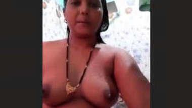 Horny mature bhabhi bathing