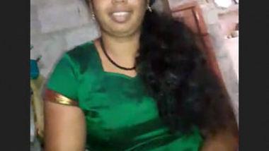 Desi hot fgr bhabi