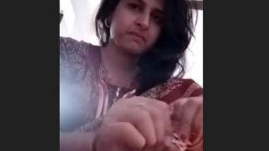 Desi village wife nice pussy