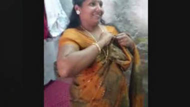 South Aunty Stripping Saree