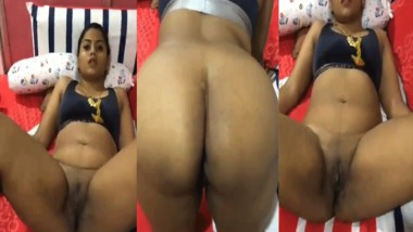 Desi pussy show in doggy style by office staff to her manager