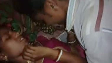 Village Bhabhi fucking hard with moan