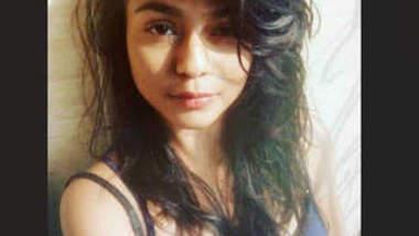 Desi Girl Sumalee Bharadwaj Showing Her Nude
