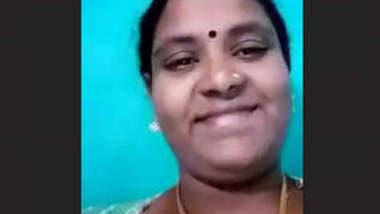 Tamil Aunty Milking Boobs