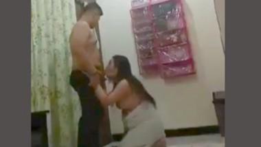 Massage Parlor Girl Giving Nice Blowjob