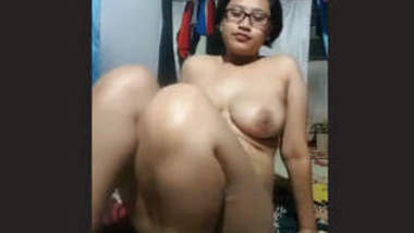Cute Manipur Girl Showing Boobs & Pussy