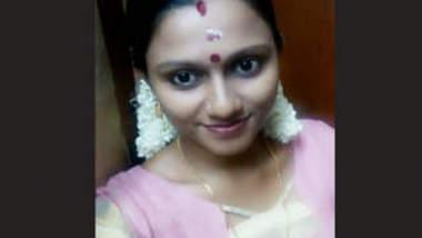 Desi Mallu Girl Showing Her Boobs & Pussy