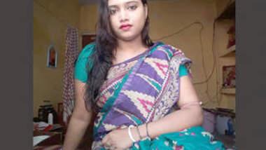 Desi hot bhabhi nudes show