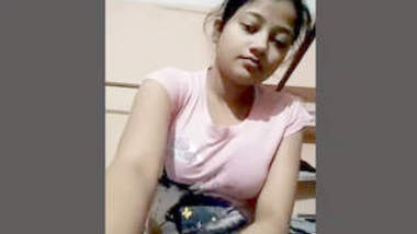 Big Boob indian Girl Showing Her Boobs
