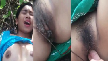 Hairy pussy fingering by boyfriend on cam outdoors
