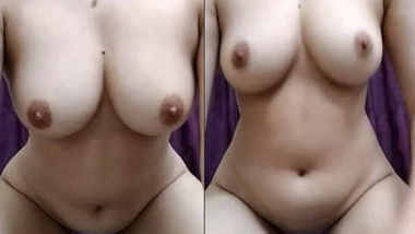 hot Desi girl showing her assets to online fans