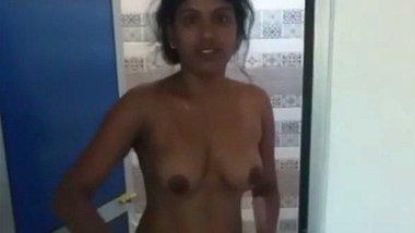 Sri Lankan hot office girl leaked on net – DesiScandals