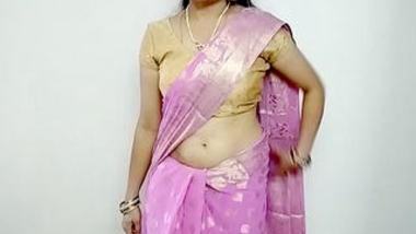 Desi cute pk bhabi show sexy boobs and pussy with devar 2