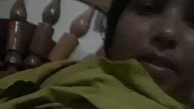 Telugu wife boobs selfie MMS video – Andhra nude show