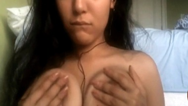 NRI babe boobs show Skypevideo call got leaked out