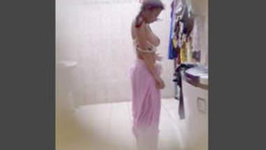 Desi cute teen change her dress