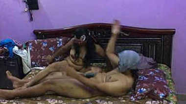 bedroom sex of mature of indian bhabhi with lover