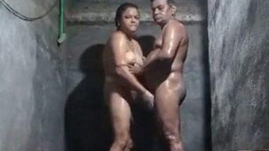 Indian mature sex in bathroom
