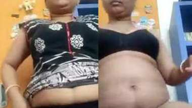 Desi bhabi show her nice body