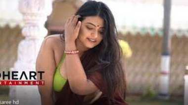 Desi housewife big boobs photoshoot